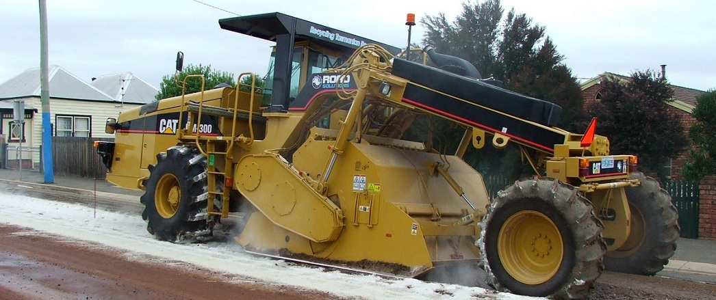 RM300 ROAD RECLAIMER